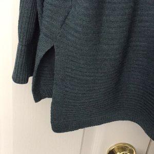 Tahari Sweaters - Tahari heather teal sweater